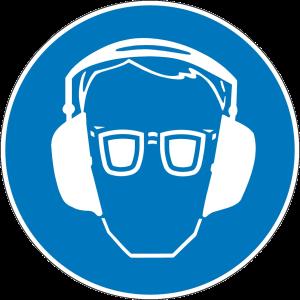 Op de schietbaan is gehoor- en gezichtbescherming verplicht.